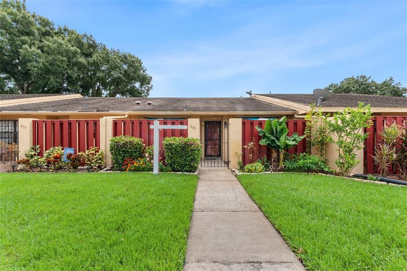 Image for property 655 BROADMOOR CIRCLE, WINTER HAVEN, FL 33884