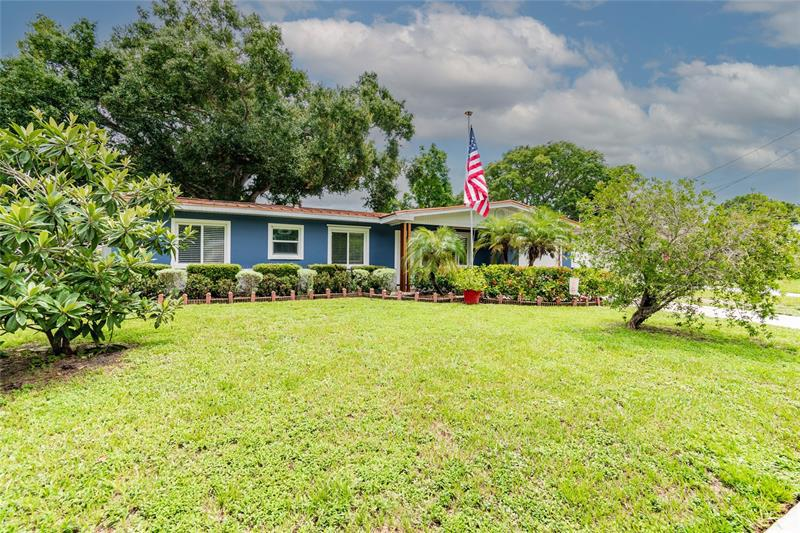 Image for property 401 COUNTRY CLUB DRIVE, OLDSMAR, FL 34677