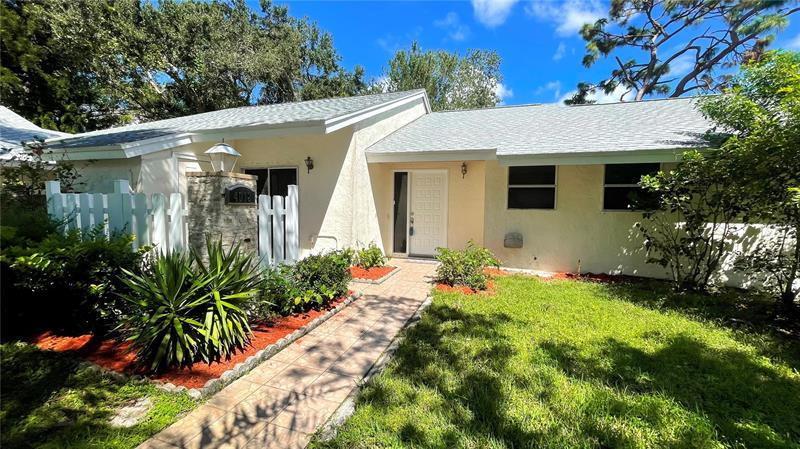 Image for property 4012 POINCIANA COURT, PALM HARBOR, FL 34684