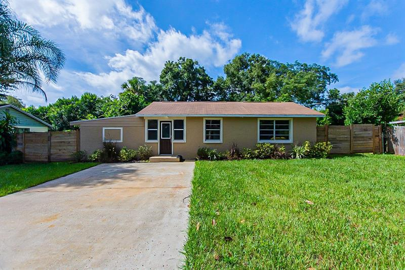 Image for property 137 CARACAS ROAD, DEBARY, FL 32713