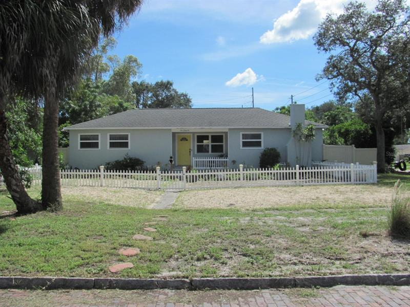 Image for property 166 PINELLAS WAY, ST PETERSBURG, FL 33710