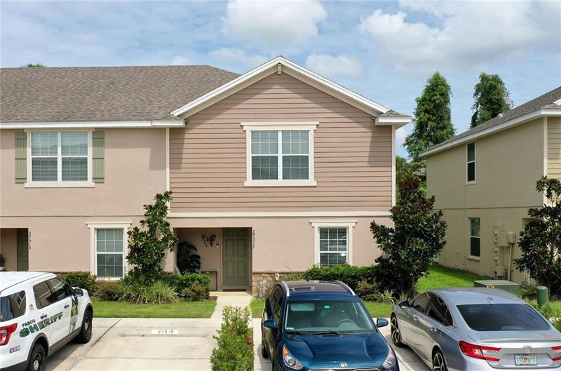 Image for property 27517 DESERT WILLOW WAY, WESLEY CHAPEL, FL 33544
