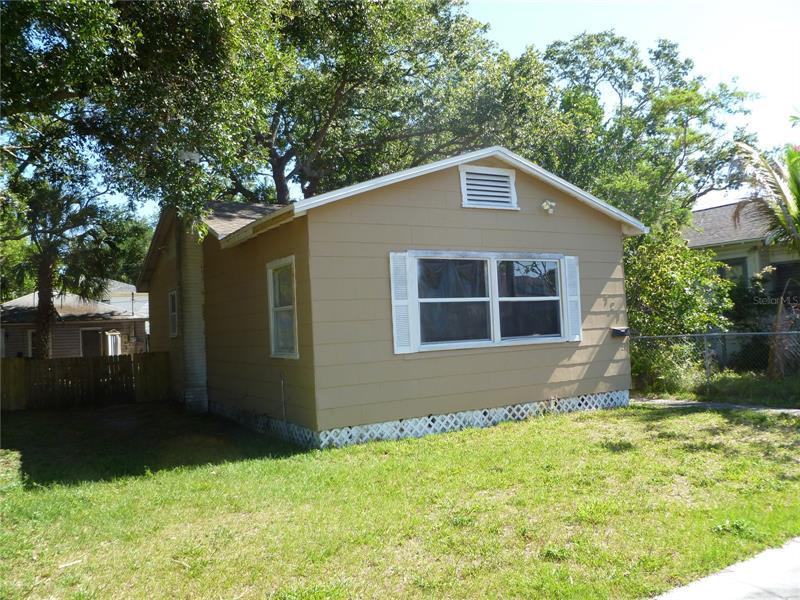 Image for property 727 19TH AVENUE, ST PETERSBURG, FL 33705