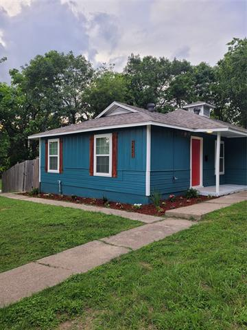 Image for property 2451 Bomar Avenue, Fort Worth, Texas 76103