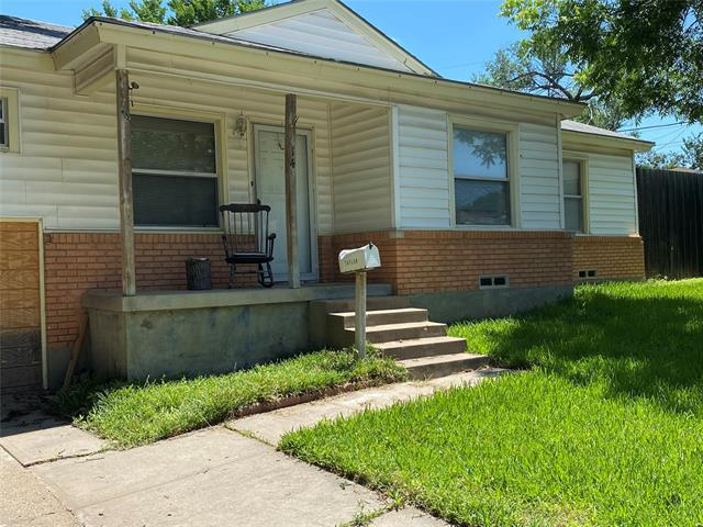 Image for property 814 Cherrywood Court, Irving, Texas 75060