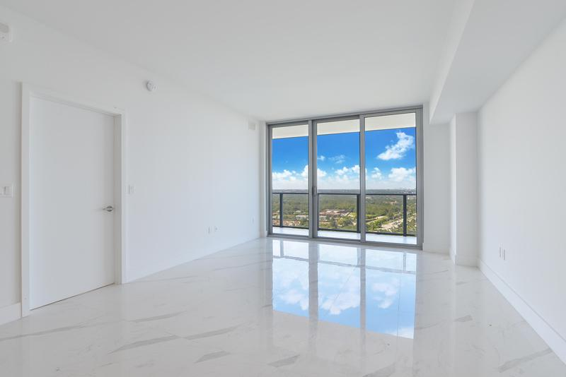 Image for property 16385 Biscayne Boulevard 3102, North Miami Beach, FL 33160