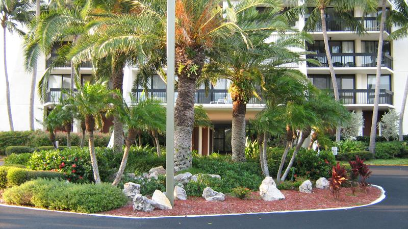 Image for property 2425 Presidential Way 303, West Palm Beach, FL 33401
