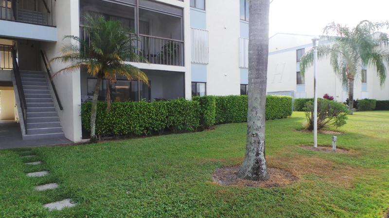 Image for property 1109 Green Pine Boulevard B1, West Palm Beach, FL 33409