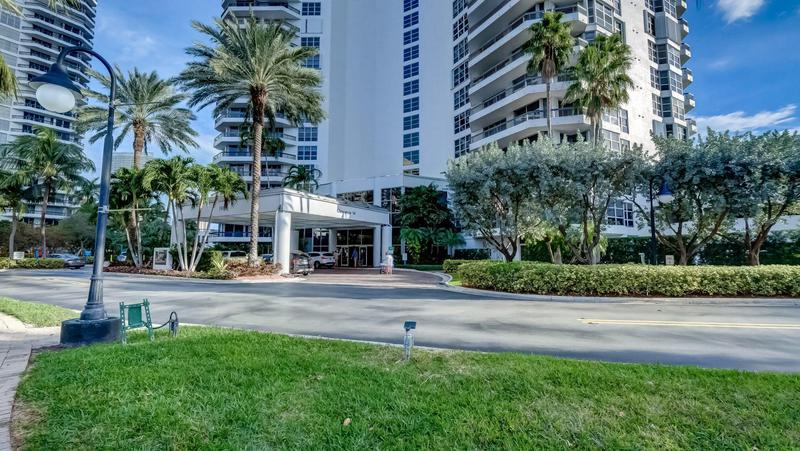 Image for property 19101 Mystic Pointe Drive 3006, Aventura, FL 33180