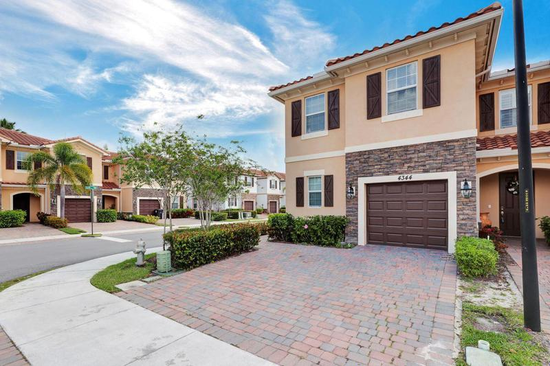 Image for property 4344 Brewster Lane, West Palm Beach, FL 33417