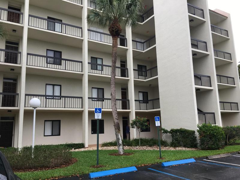 Image for property 3000 Presidential Way 106, West Palm Beach, FL 33401