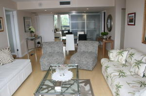 Image for property 2425 Presidential Way 1101, West Palm Beach, FL 33401