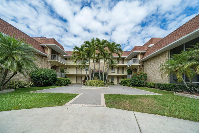 Image for property 5500 Tamberlane Circle 103, Palm Beach Gardens, FL 33418