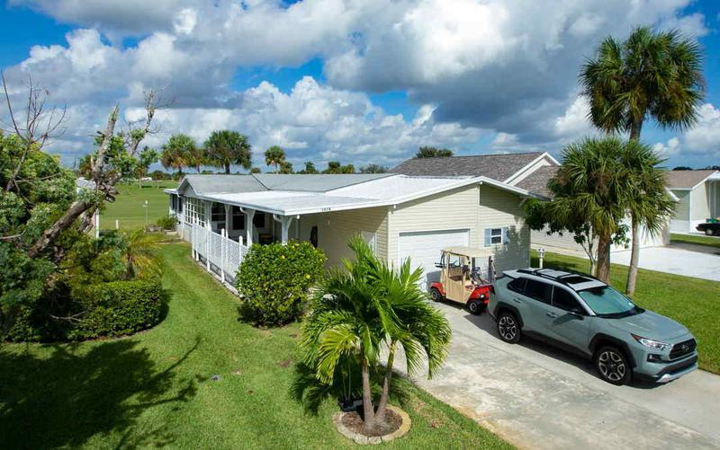 Image for property 1014 Barefoot Circle, Barefoot Bay, FL 32976