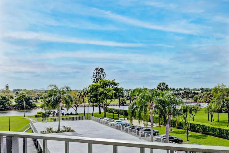Image for property 336 Golfview Road 414, North Palm Beach, FL 33408