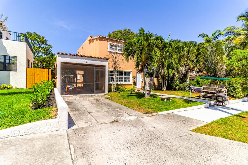 Image for property 821 38th Street, West Palm Beach, FL 33407