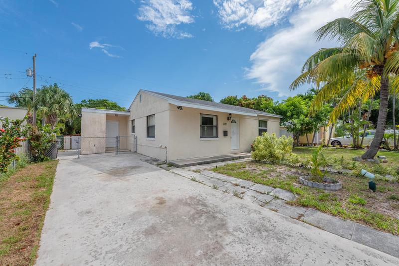 Image for property 611 Monceaux Road, West Palm Beach, FL 33405