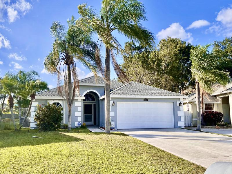 Image for property 1552 Lake Breeze Drive, Wellington, FL 33414