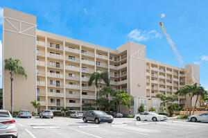 Image for property 14426 Amberly Lane 402, Delray Beach, FL 33446