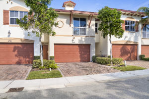 Image for property 4719 Prive Circle, Delray Beach, FL 33445