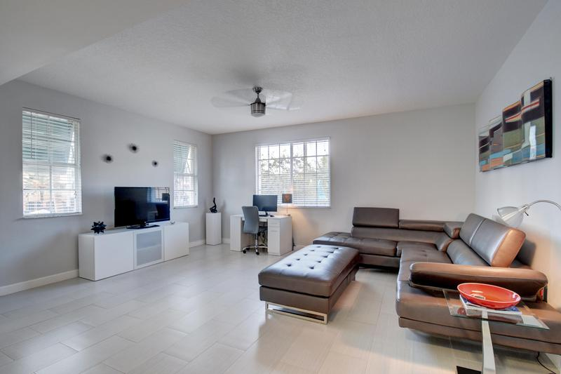 Image for property 240 2nd Street 6-F, Delray Beach, FL 33444
