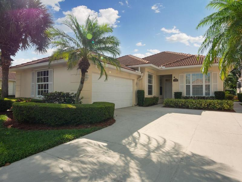 Image for property 359 Kelsey Park Circle, Palm Beach Gardens, FL 33410