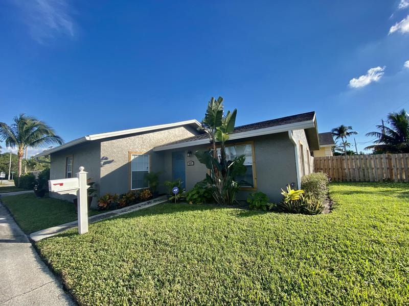 Image for property 327 2nd Avenue, Delray Beach, FL 33444