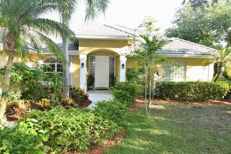 Image for property 14301 Flora Lane, Wellington, FL 33414
