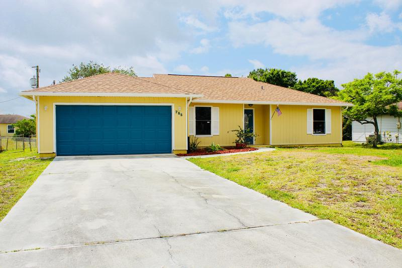 Image for property 785 2nd Place, Vero Beach, FL 32962