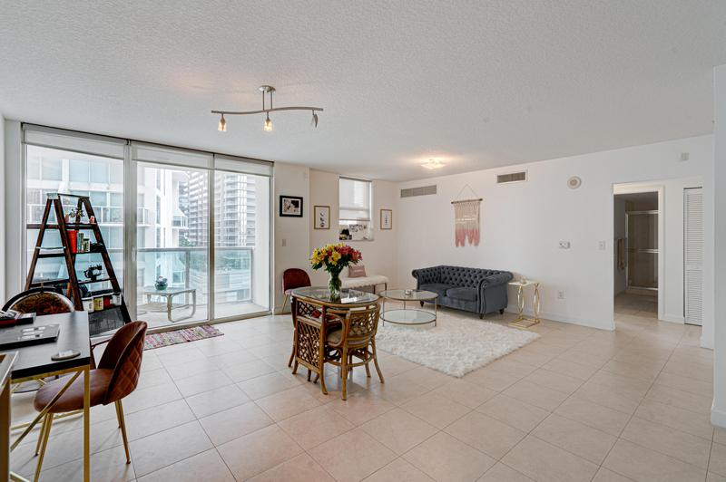 Image for property 31 5th Street 1711, Miami, FL 33131