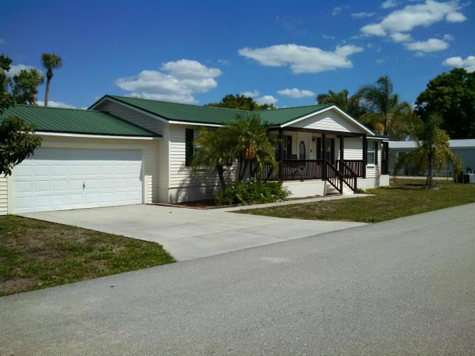Image for property 938 Yacht Club Way, Moore Haven, FL 33471