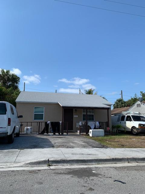 Image for property 825 2nd Street, Riviera Beach, FL 33404