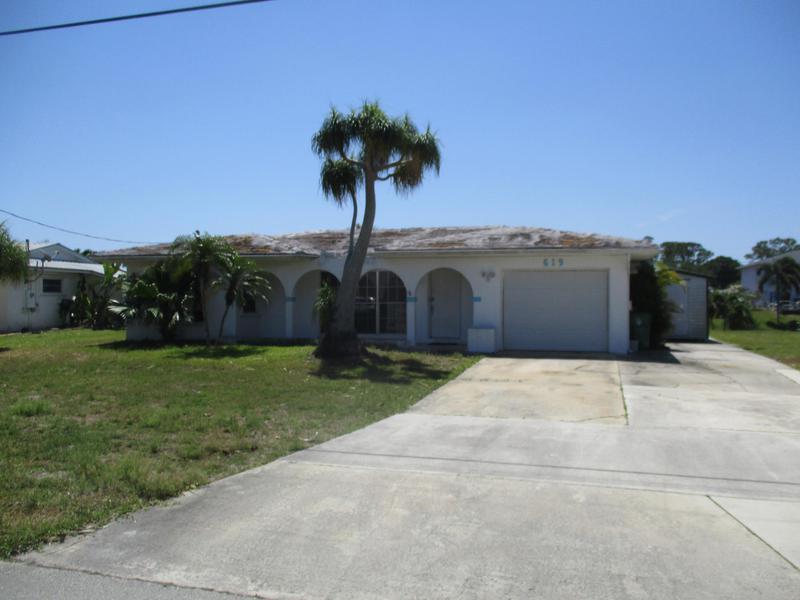 Image for property 619 Calmoso Drive, Port Saint Lucie, FL 34983
