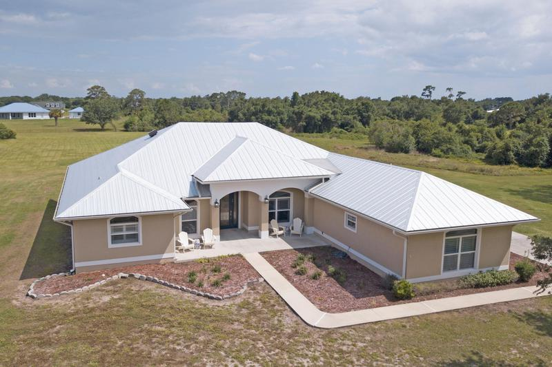 Image for property 2140 39th Boulevard, Okeechobee, FL 34972