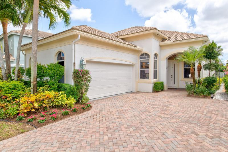 Image for property 16898 Knightsbridge Lane, Delray Beach, FL 33484