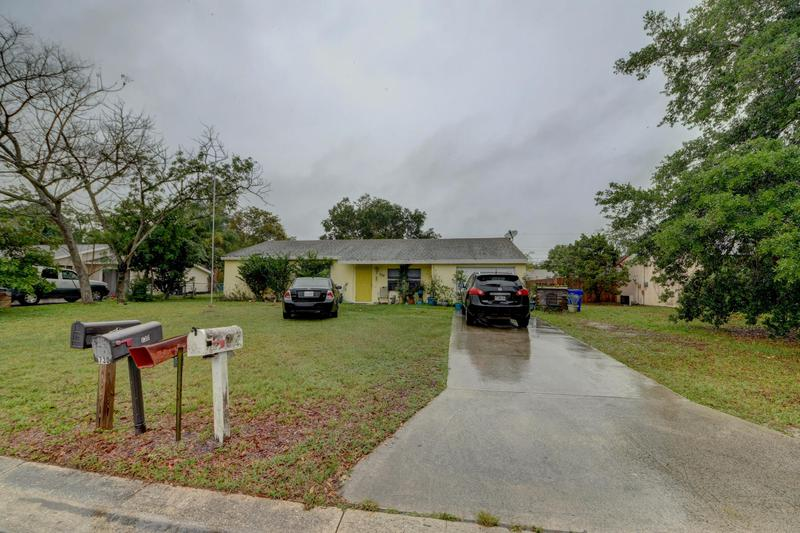 Image for property 730 23rd Place, Vero Beach, FL 32962