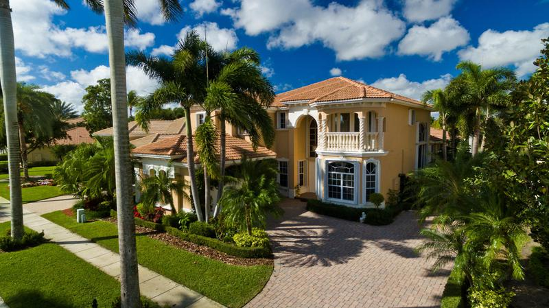 Image for property 8077 Laurel Ridge Court, Delray Beach, FL 33446