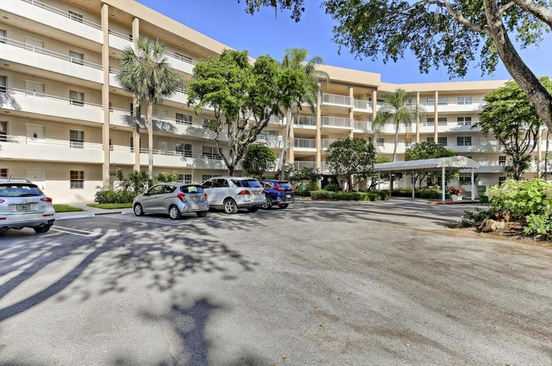 Image for property 3980 Oaks Clubhouse Drive 201, Pompano Beach, FL 33069