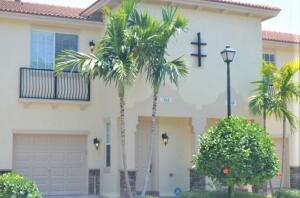 Image for property 106 Longport Circle C, Delray Beach, FL 33444