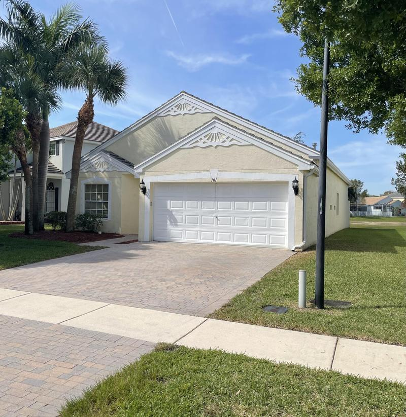 Image for property 101 Canterbury Place, Royal Palm Beach, FL 33414
