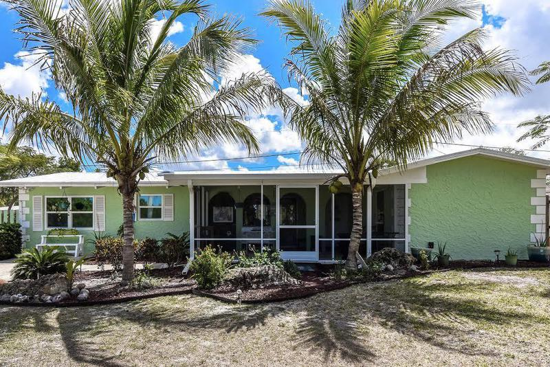 Image for property 217 Indian Groves Drive, Stuart, FL 34994
