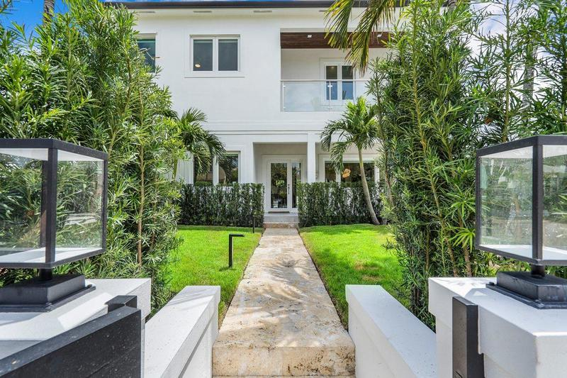 Image for property 120 Beverly Road, West Palm Beach, FL 33405