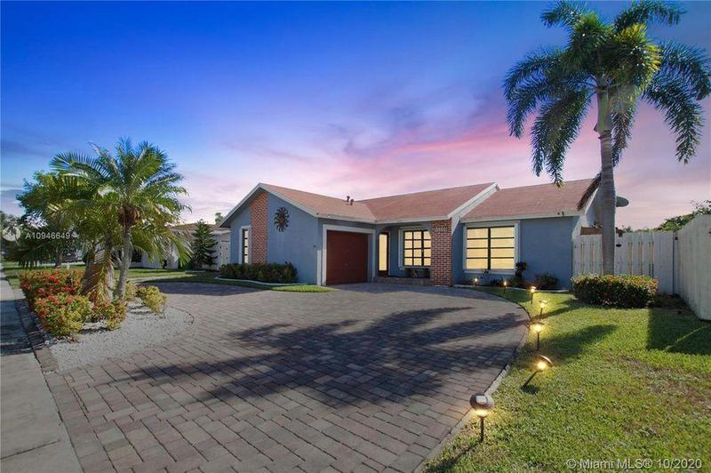 Image for property 11910 38th Place, Sunrise, FL 33323