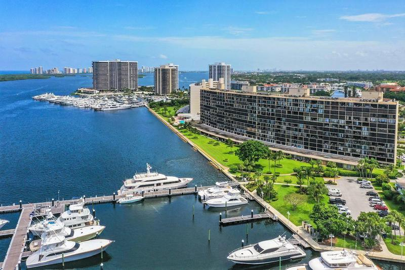 Image for property 136 Lakeshore Drive 410, North Palm Beach, FL 33408