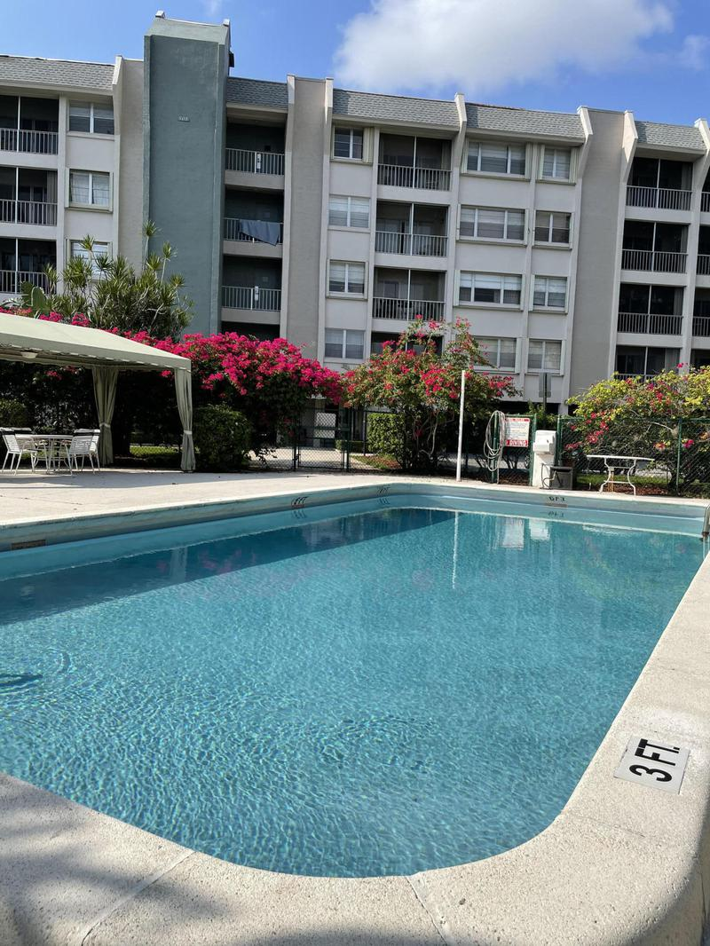 Image for property 505 Spencer Drive 112, West Palm Beach, FL 33409