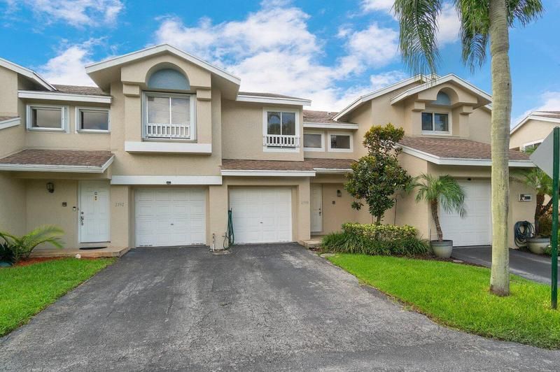 Image for property 2190 Discovery Circle West, Deerfield Beach, FL 33442