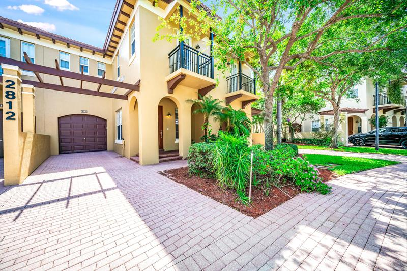 Image for property 2812 Eagle Rock Circle 2, West Palm Beach, FL 33411