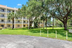 Image for property 2500 Presidential 306 Way 306, West Palm Beach, FL 33401