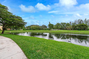 Image for property 900 Crestwood Court 902, Royal Palm Beach, FL 33411