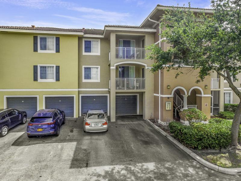 Image for property 6466 Emerald Dunes Drive 108, West Palm Beach, FL 33411